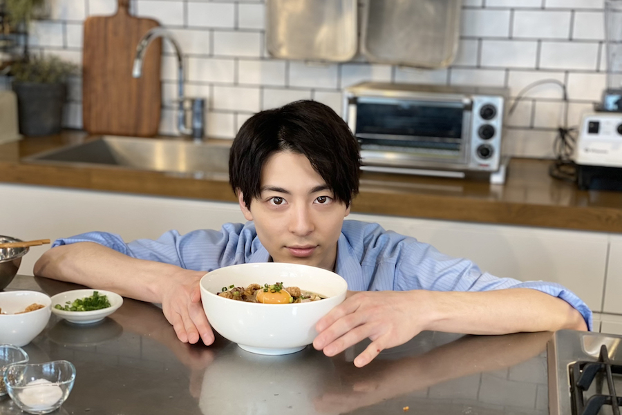 【#おうちでフィリピン】俳優の高杉真宙さんとフィリピン料理を作ろう!【Vol.3 ラパズ・バッチョイ編】